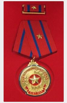 tôn phương nam đạt huân chương lao động hạng nhất