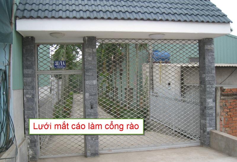 Lưới mắt cáo làm cổng rào